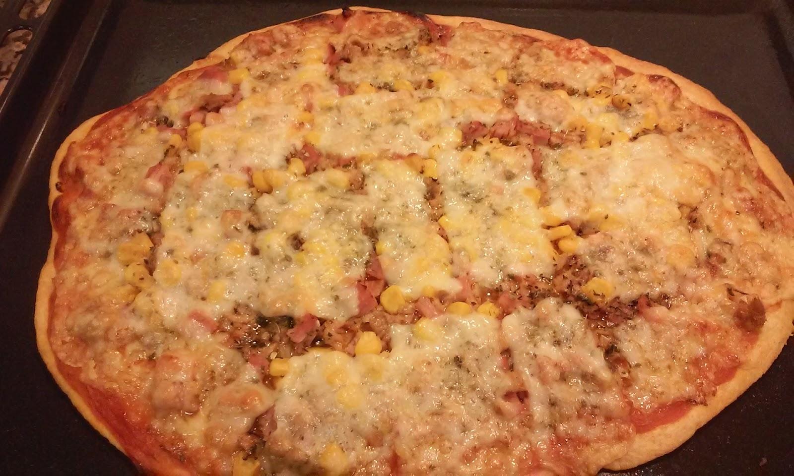 pizza recien sacada del horno