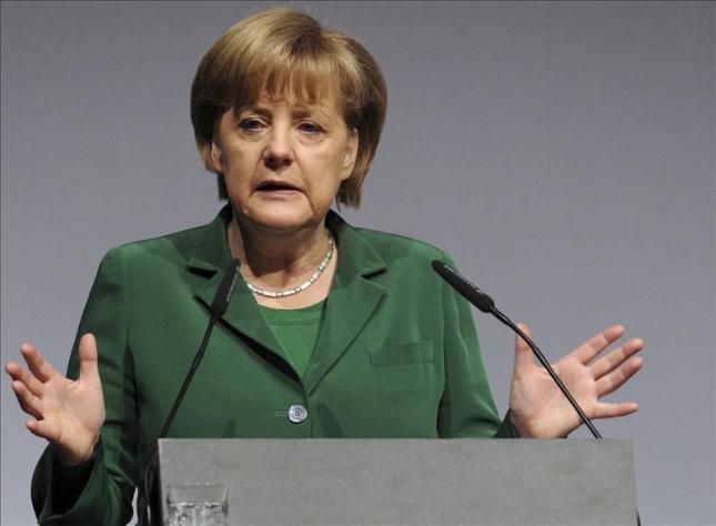 Ángela Merkel agradece por la obra de Martín Lutero