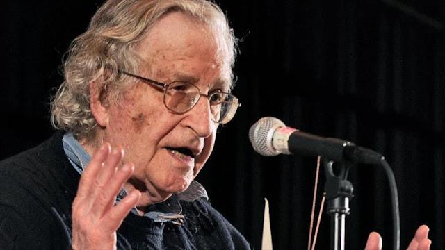 Chomsky advierte del 'terrorismo global' tras atentados del 11-S