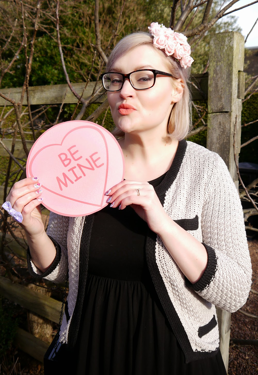 how to, valentine, DIY, hat, love heart, galentine, Scotland, Edinburgh, be mine, sweet, Kimberley