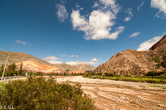 Cerro de los siete colores en la quebrada de Humahuaca. Viajando por Argentina. La quebrada de Humahuaca