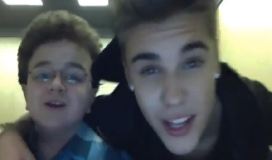 Video Justin Bieber Muestra Su Ropa Interior En Un Video Casero Junto A Su Amigo Keenan Adictivoz Chordify premium demo try now. adictivoz