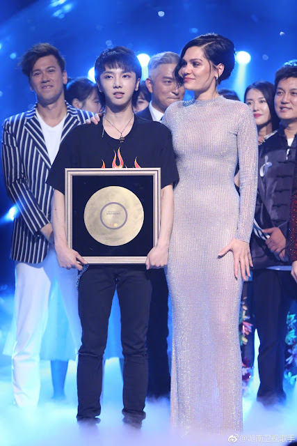 Hua Chengyu most popular song Singer 2018