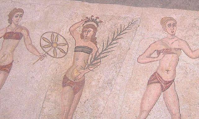 Das Bikinimädchen Bodenmosaik in der Villa Romana del Casale