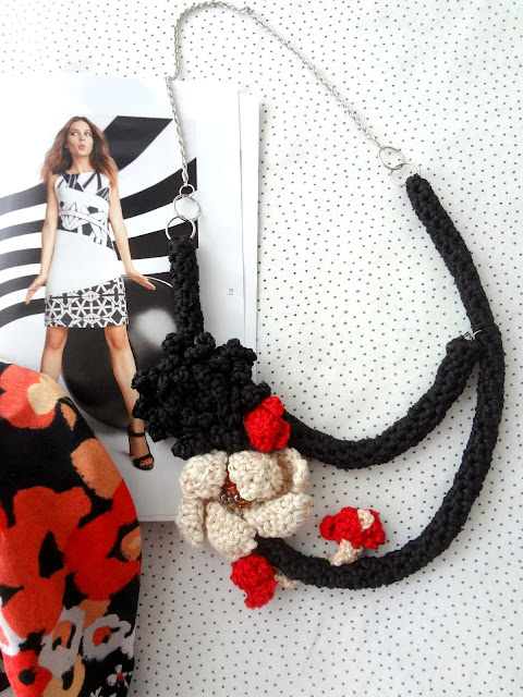 The Flamenco Tube Necklace