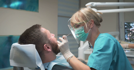 8 Reasons Why You Should Choose A Female Dentist