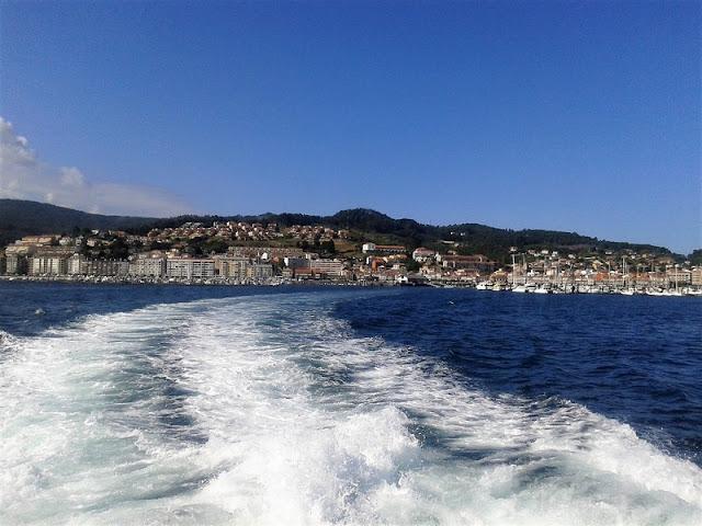 Vista de Baiona desde el puerto