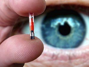 Microchips serão implantados em crianças