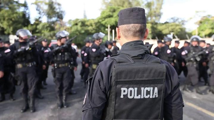 Soñar con ser policía