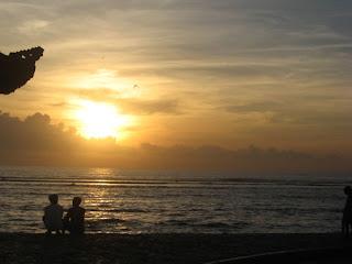 Keindahan Sunrise (Matahari Terbit) di Pantai Sanur Bali
