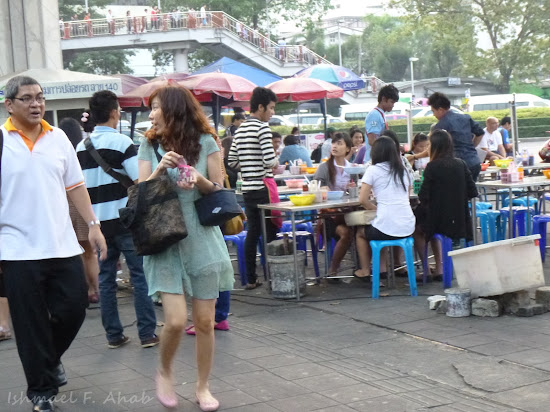 Open restaurant at Victory Monument