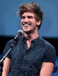 Joey Graceffa Height - How Tall
