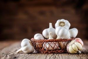 10 Surprising benefits of Eating raw garlic