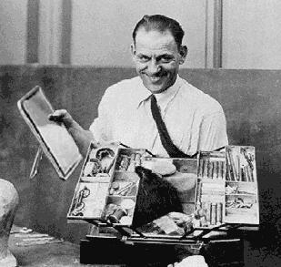 Lon Chaney y su famoso maletín de maquillaje