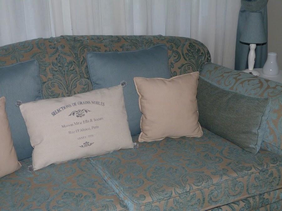 isabelvintage-vintage-almohadon-pompones-estarcido