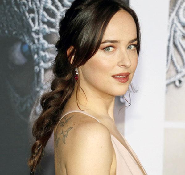 Dakota-Johnson-Height-Weight-Age-Biography-Wiki-Husband-Affairs