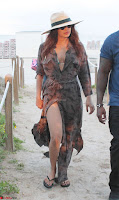Priyanka Chopra on the beach Day 3 with friends in Miami Exclusive Pics  001.jpg