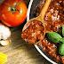 Vegano italiano amenaza a su mamá con un cuchillo por cocinar carne