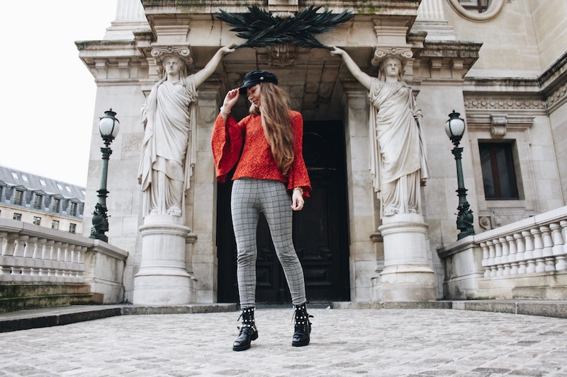 street style blog mode tendance prince de galle dentelle rouge gavroche bottines