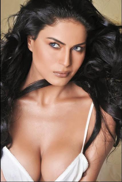 model,photo,hot,hd photo,pakistani model,picture