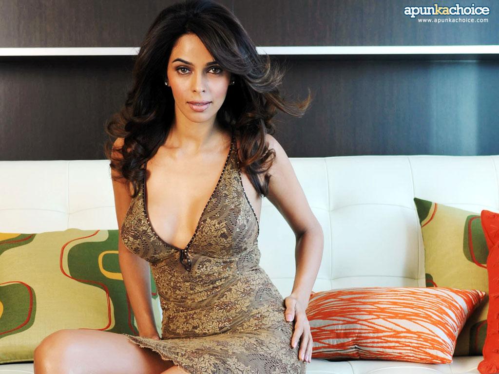 Sexy Pics Of Malika Sherawat