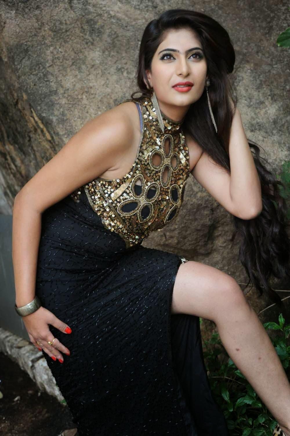 Actress Neha Saxena Hot Photos - Cap-7664