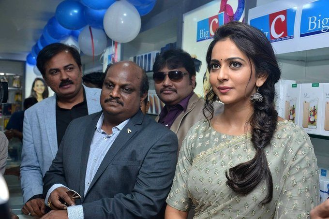 Rakul Preet Singh Launches BIG C Show Room In Kurnool Photos