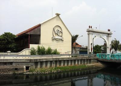 Faktor Berakhirnya Kekuasaan VOC di Indonesia