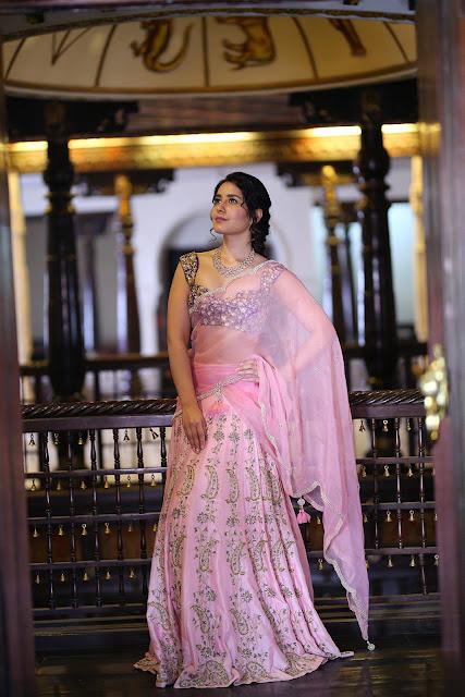telugu actress Raashi Khanna new images