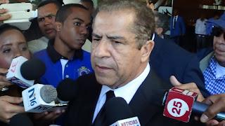 Percival Peña visita director del DNI y le pide seguridad para él y su familia