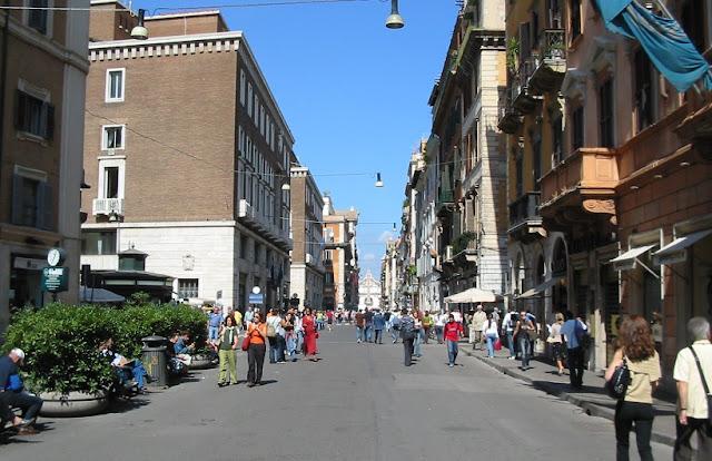 Ruas para comprar roupa em Roma