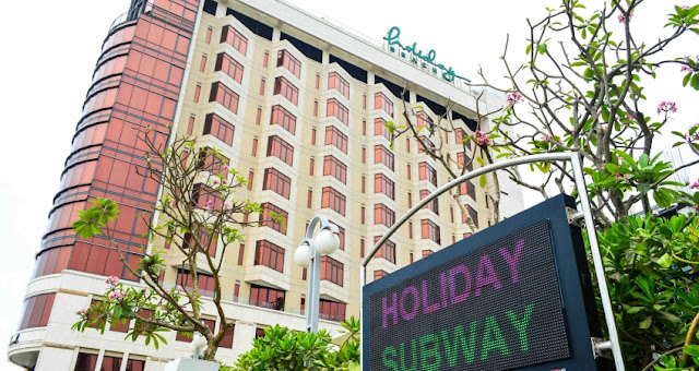 Đường hầm Holiday Beach Subway độc đáo xuyên qua bãi biển Đà Nẵng