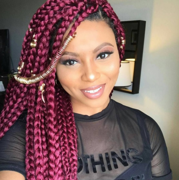 Senegalese Twists and box braids are beautiful and always popular. We are showing you how to keep this long lasting and beautiful!