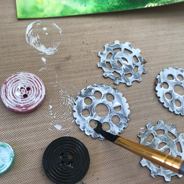 altering_vintage_bits_with_gesso_and_paint