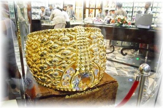 Najmat Taiba World largest Gold Ring wedding engagement