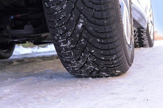 ¿Por qué recomendar neumáticos de invierno en el taller?