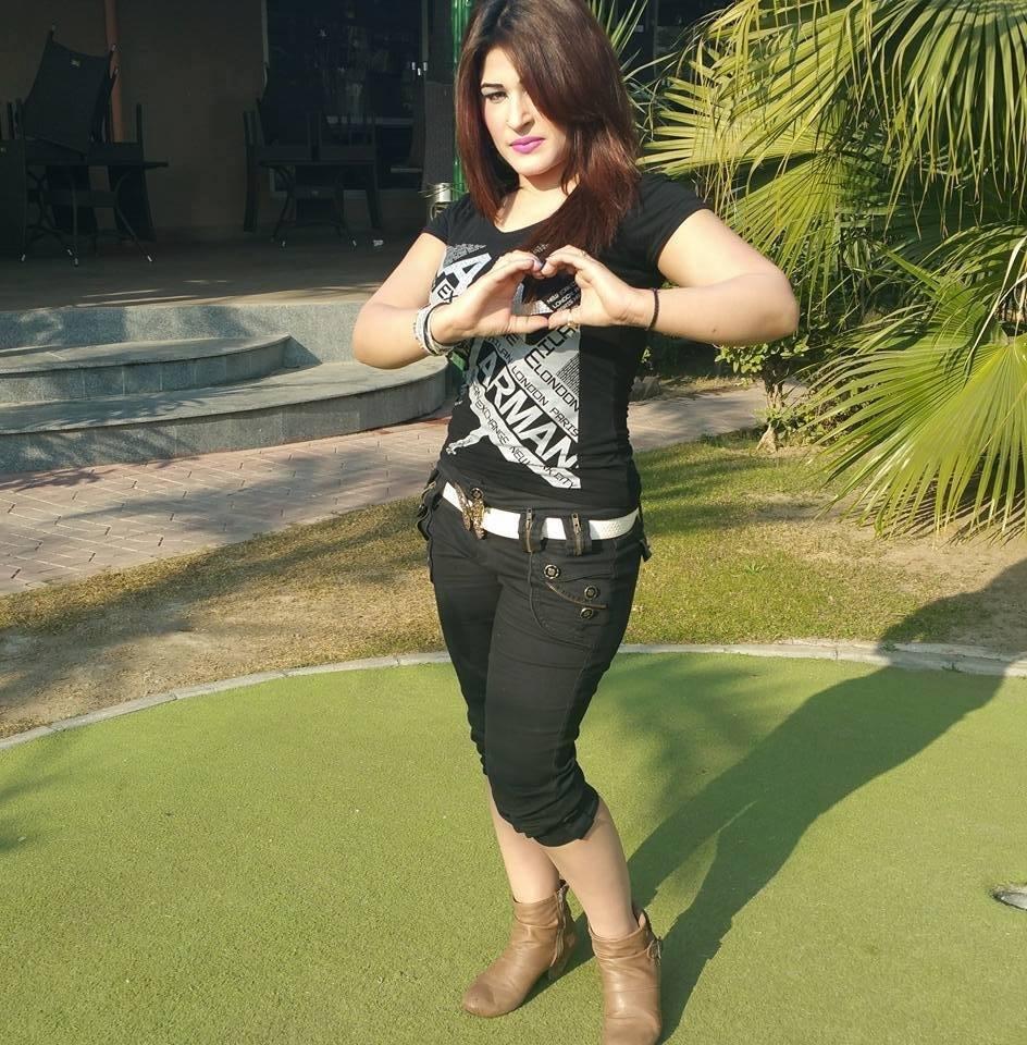 Pashto Actresses Muneeba Shah Pictures