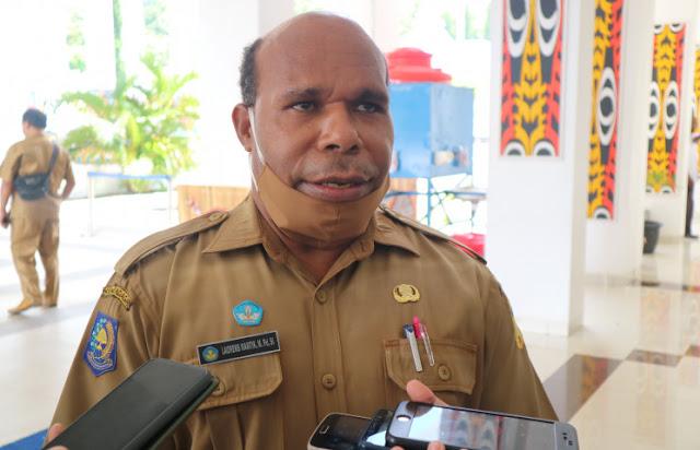 Laurens Wantik Ungkap Pembelajaran Jarak Jauh Tanpa Internet di Papua Gunakan Radio dan Buku.lelemuku.com.jpg