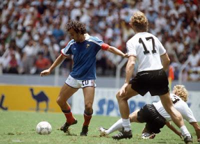 Ο μεγάλος γάλλος ποδοσφαιριστής Μισέλ Πλατινί