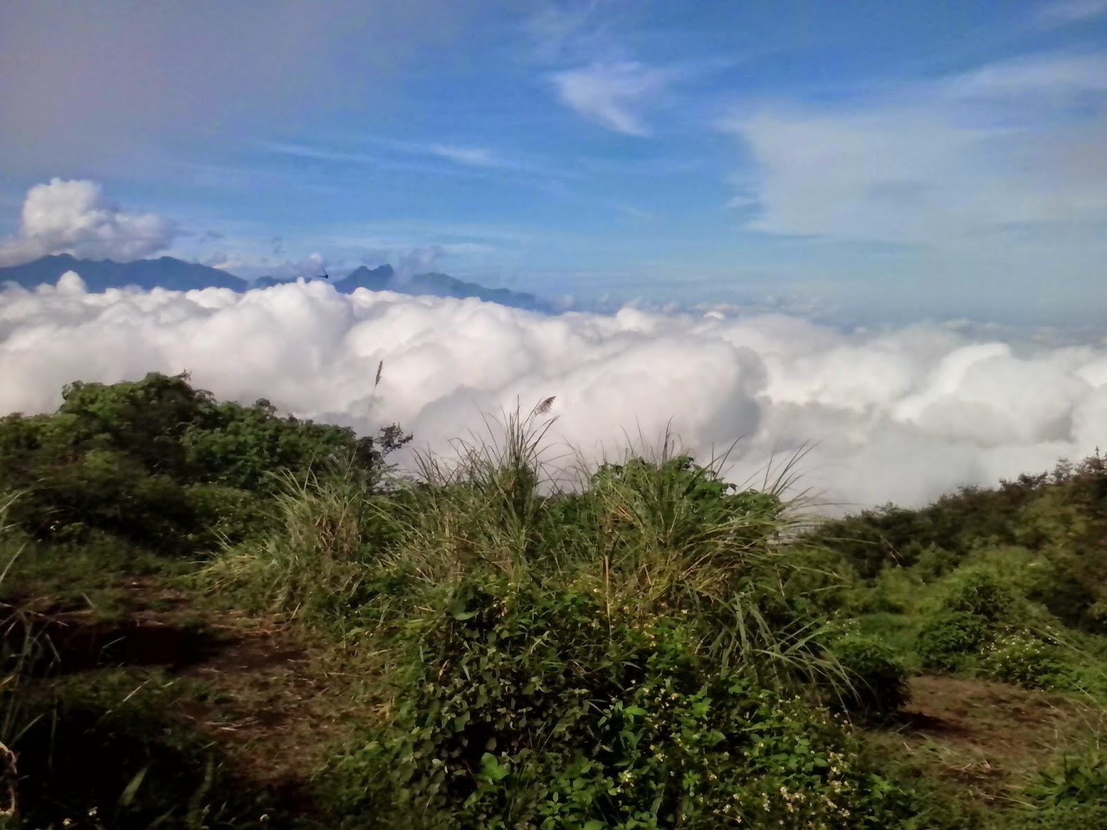 Keindahan negeri di atas awan