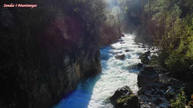 Deshielo cerrada Elías, río Borosa, Pontones, Sierra de Cazorla, Jaén, Andalucía