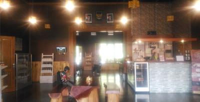 front desk kafe cokelat