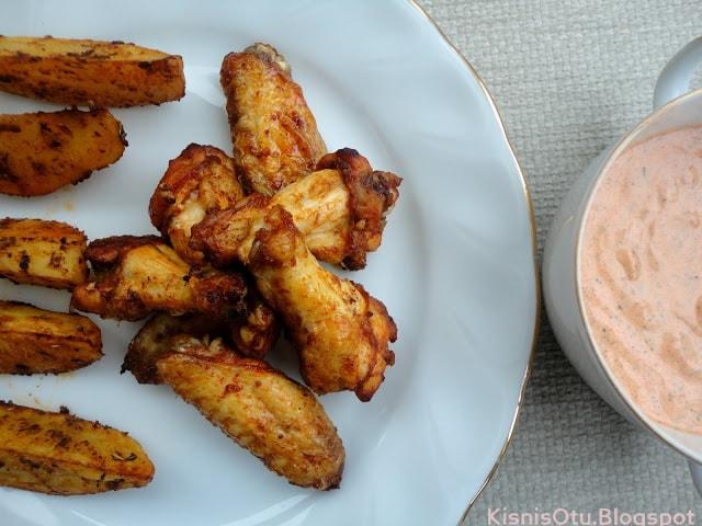 Tavuk Kanat-Baharatlı-Patates-Dip-Sos-Tarifi-Lezzetli-Nefis- Et-Tavuk-Yemek-Kişniş Otu