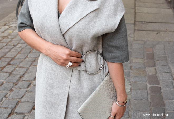 Hellgraue Wollweste von Zara