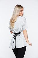 Tricou gri casual din bumbac elastic cu croi larg accesorizat cu snur •
