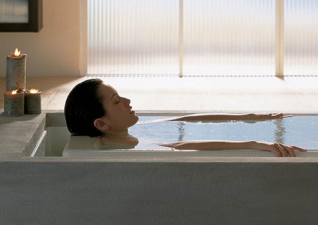 Se você gosta de tomar banhos quentes, esta informação é para você. Conheça todos os benefícios de sua atividade favorita