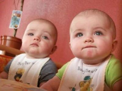 اليكم اجمل صور اطفال توائم 2022