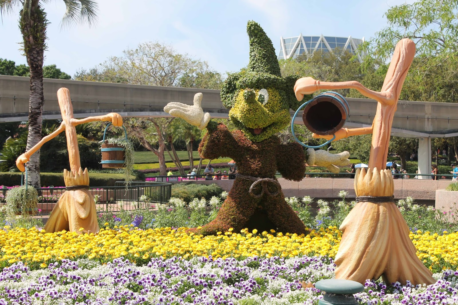 Ultimate Guide To Epcot\'s 2018 International Flower & Garden ...