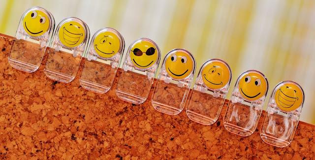 emoji dimedia sosial