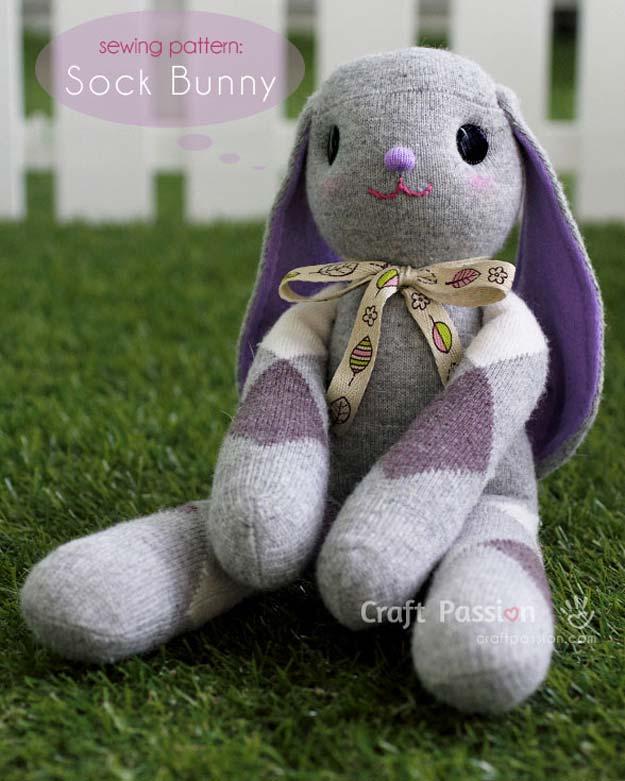 DIY boneka dari kaos kaki berbentuk kelinci atau bunny